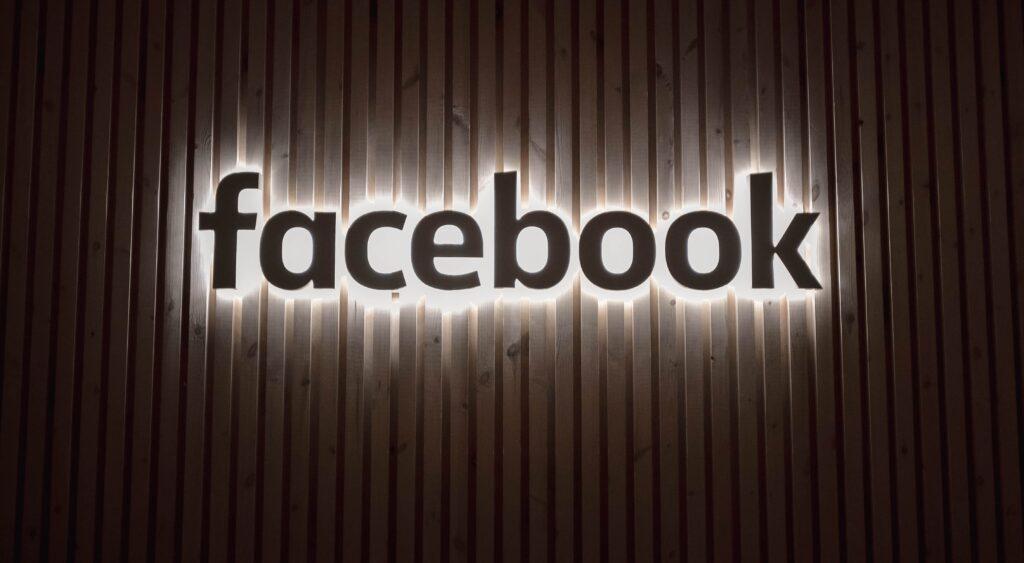 Facebook-100-milioni